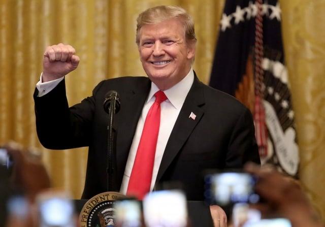 美國總統川普表示,貿易談判有實質進展,他決定推遲對中國商品加關稅,如果有更好的進展,他計畫在佛州海湖莊園舉行川習會。(Win McNamee / Getty Images)