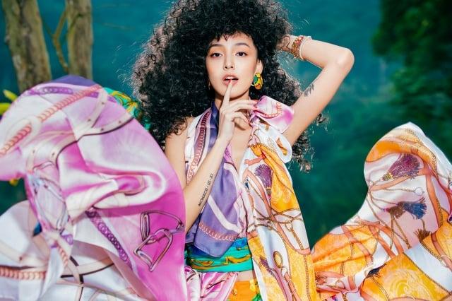 台韓混血名模KIWI演繹今春時尚。