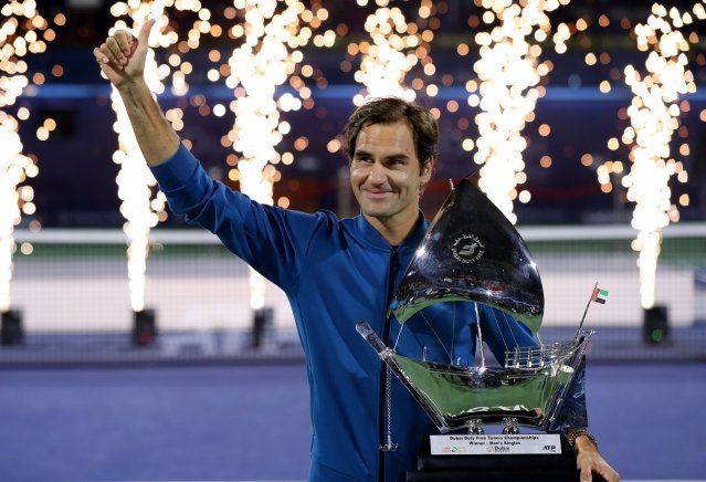費德勒在杜拜公開賽奪下生涯第100座男子單打冠軍。(Getty Images)
