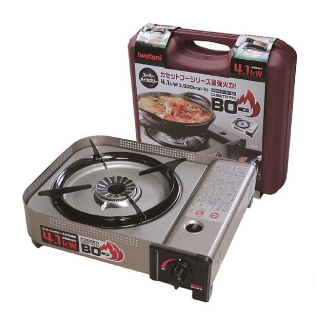 卡式瓦斯爐是露營者最常用的,建議野外開伙選擇簡單的料理與熟食,方便加熱食用。(業者提供)
