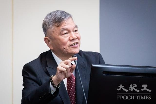 經濟部長沈榮津表示,中國騰訊鑽代理商法規漏洞,將提報院會設法把漏洞補起來。(記者陳柏州/攝影)