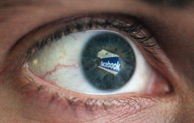 臉書公司透露,由於沒有正確保密數億用戶的臉書帳戶密碼,導致其員工可以訪問並獲取用戶的密碼數據。(Dan Kitwood/Getty Images)