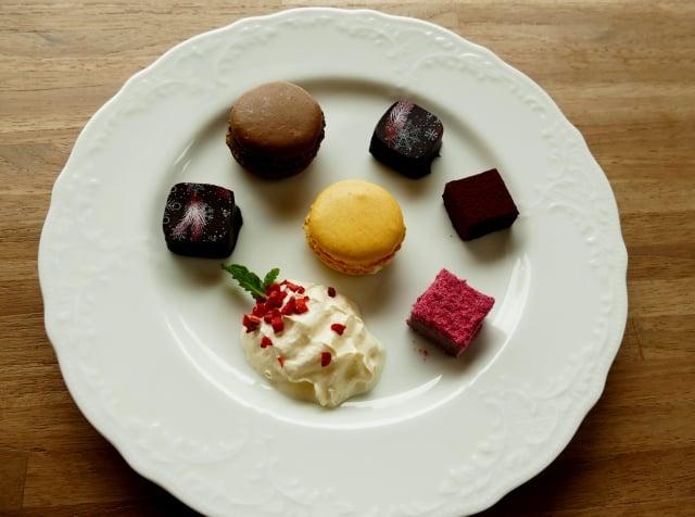 慕尼黑巧克力工坊販售著異國風味的巧克力,口味多到讓遊客驚奇無比。