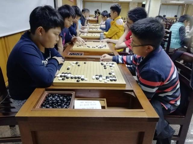 大成國中圍棋專班自105年成立以來,秉持著培育人才、學術並重的理念。(大成國中提供)