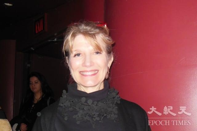 3月14日,世界營銷大師、著名作家Martha Rogers觀看了神韻紐約藝術團在林肯中心大衛寇克劇院的第11場演出。