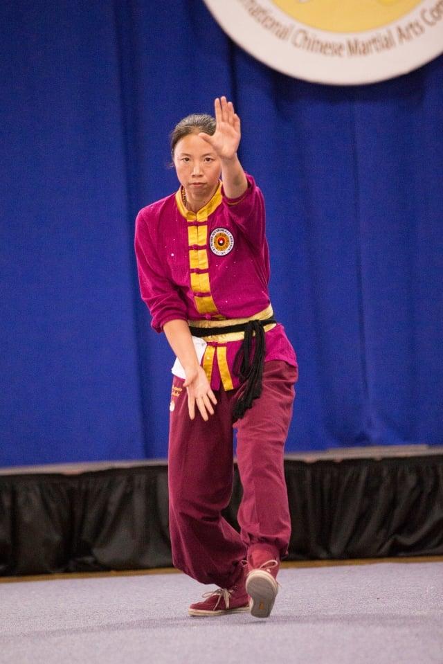 第五屆女子拳術組銀獎得主森本翠柏,來自日本,演示八極拳。(攝影/曾介宏、新唐人電視台提供)