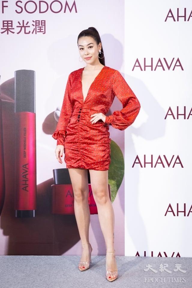 女星蔡詩芸Dizzy分享自己的保持肌膚彈力光澤的方法。(記者陳柏州/攝影)