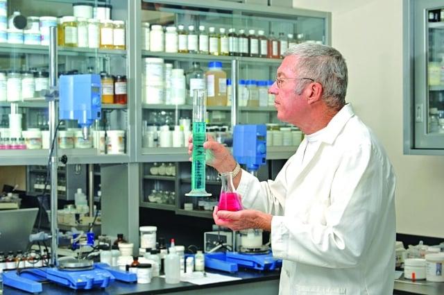 化學劑是如何讓食物變得色香味「完美」,那種妙不可言的力量,逐漸迷失心智,將背後的毒性忘得一乾二淨。(Fotolia)