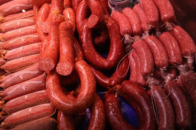 國際媒體分析,中國豬肉短缺,預計未來烤肉到西班牙火腿、德國香腸等豬肉食品都將大幅漲價。圖為示意圖。(Sean Gallup/Getty Images)