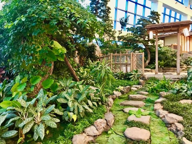 台北SOGO百貨復興館9樓展出「溫馨花園 花花世界」。(朱孝貞/攝影)