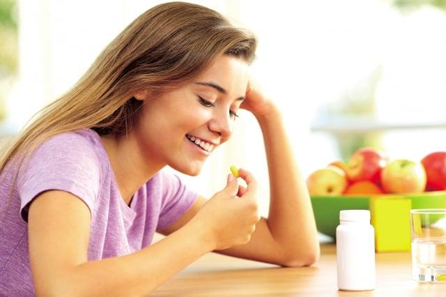 正確把握適當的服用時間,除了可以達到最佳的吸收和利用效果,也不會對身體造成負擔。(Fotolia)