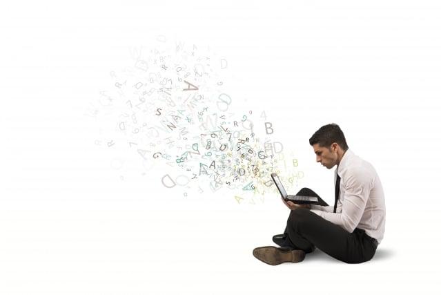目前世界各國為了加速生產性,盡量利用數位化的背景及網際網路之便利性,也往往動輒得咎,侵犯到他人之利益。(123RF)