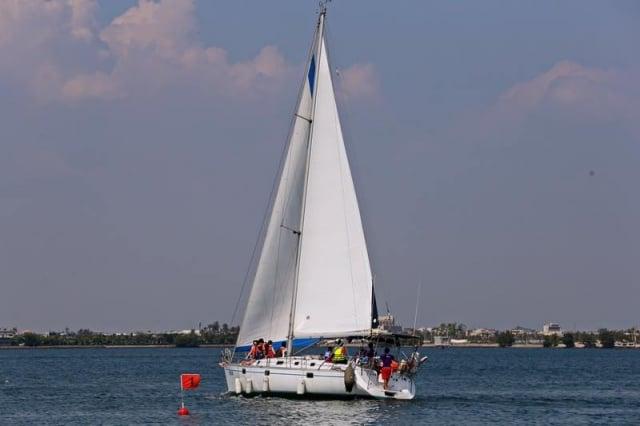 大鵬灣帆船基地的大型機械帆船。(大鵬灣帆船基地提供)