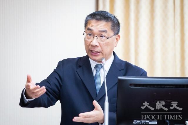 內政部長徐國勇16日表示,數位身分證預計今年7月完成規劃,9月進行細部規劃,明年正式上路後,擬2年內完成換發。(記者陳柏州/攝影)
