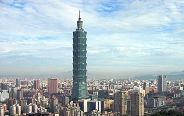 行政院長蘇貞昌19日表示,據國際預測機構預測,今年經濟成長率將達2.0%,勝過韓國、香港以及新加坡,重回亞洲四小龍之首。(大紀元資料庫)
