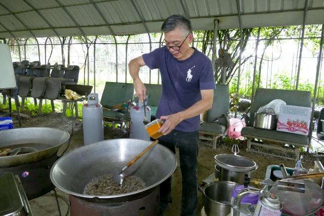 草地婚宴美食採用的蔬果都是來自彰化在地友善農田,再加上主廚江朝富的好手藝,讓參加婚禮的來賓享受到健康美味料理。