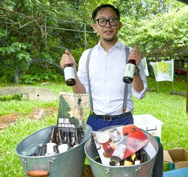 來自彰化員林的「土丿匕木十豆寸」咖啡,年輕的老闆林蕎毅帶來了他特別製作的冰釀咖啡,讓賓客品嘗冰咖啡發酵後的香醇滋味。