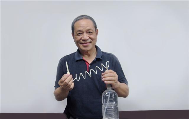 ANYJET隨身沖牙器研發者廖西仁。(廖西仁提供)