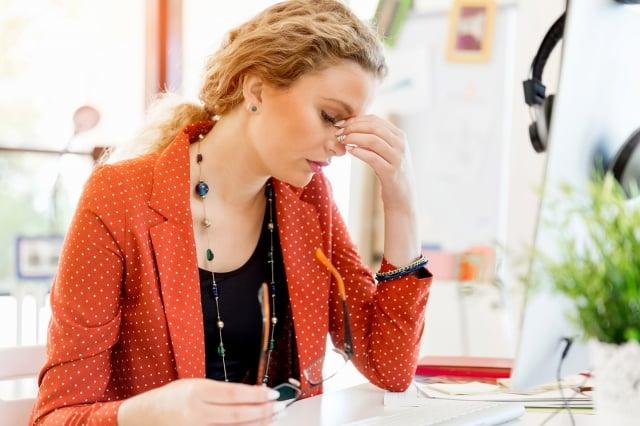 想要改善眼疲勞、挽救視力,除了注意讓眼睛休息之外,一些重要的護眼營養素不可或缺 。 (Fotolia)
