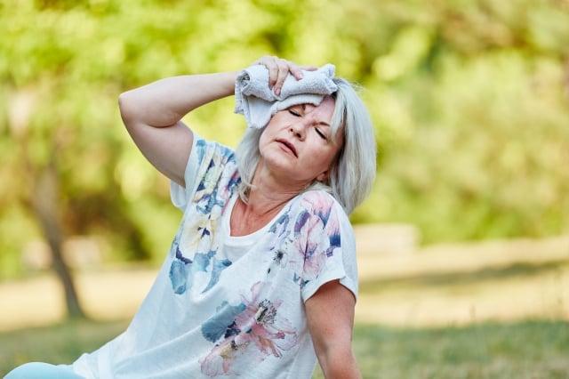中暑是指因高溫引起的人體體溫調節功能失調,體內熱量過度積蓄,從而引發神經器官受損。(Fotolia)