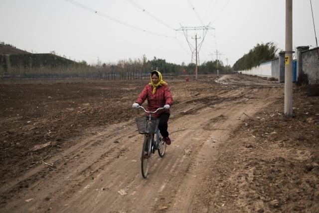報告顯示,截至2018年10月,中國27個省會城市公布的174塊受汙染地塊中,有1/4已經出讓用於開發。示意圖。(Getty Images)