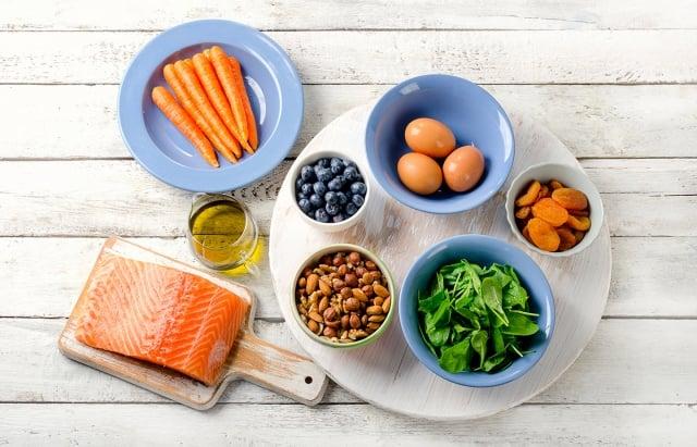 對眼睛而言,起重要作用的營養素,除了具代表性的維生素 A、C、E 這三種營養素。還有什麼功能性食物可以補充?(Fotolia)