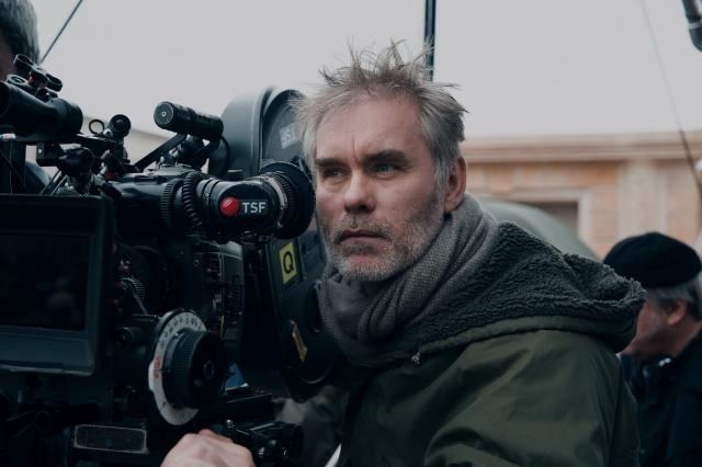 法蘭柯導演重金打造傳奇電影《巴黎之王:黯黑正義》(鴻聯國際提供)