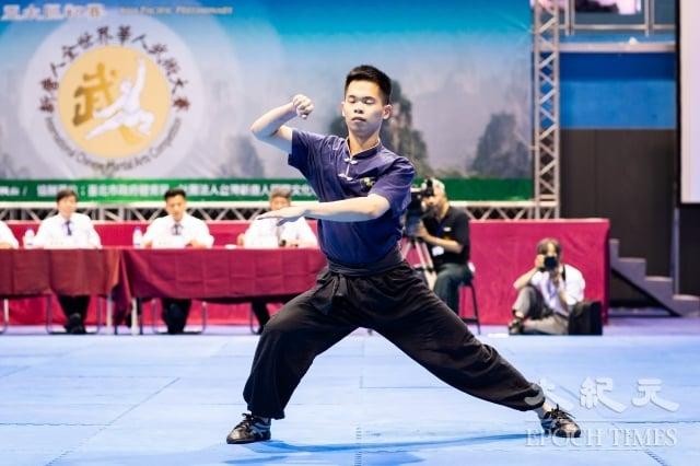 男子拳術組入圍選手蔡馥丞表示,今年他是第3次參加亞太區初賽,前2次沒有入圍,他現在讀研究所常要做研究,就充分利用下課時間到武館練習。(記者陳柏州/攝影)