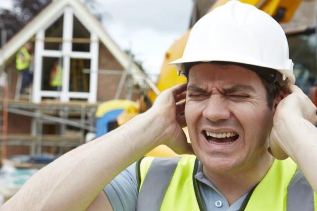 噪音指持續性高分貝聲音,工作環境持續聲量不能超過115分貝。(Fotolia)