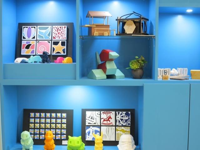 僑光科大生活創意設計系期末成果展,展出很多3D列印的作品。