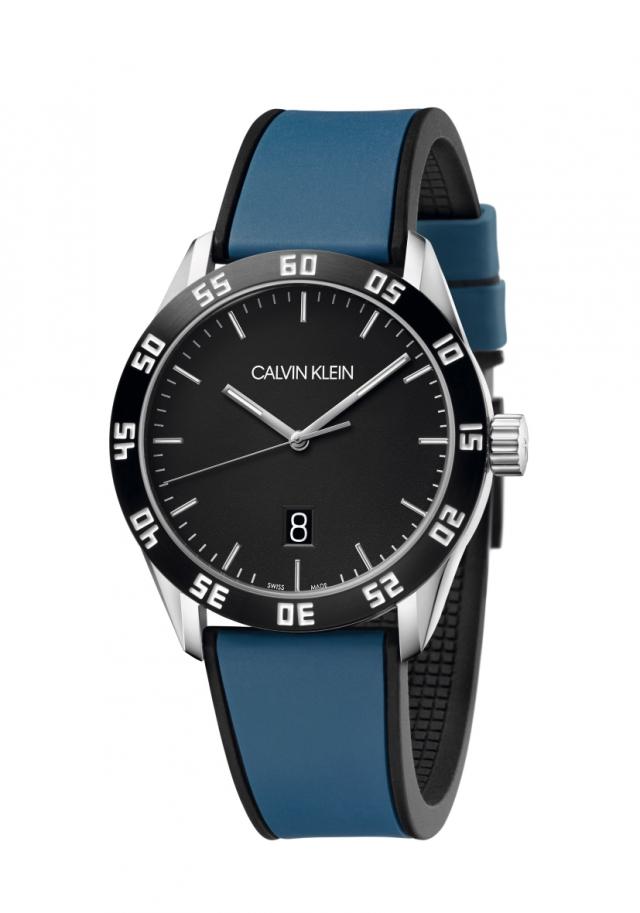 橡膠錶帶無論正裝或運動休閒皆能穿搭。(品牌提供)