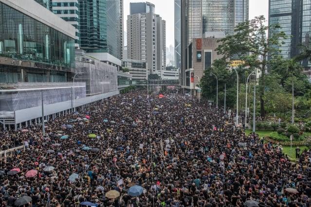 香港民陣在一週內舉行第二次反送中大遊行,經過大數據預估,這次遊行可達到破紀錄的近200萬人。(Carl Court/Getty Images)