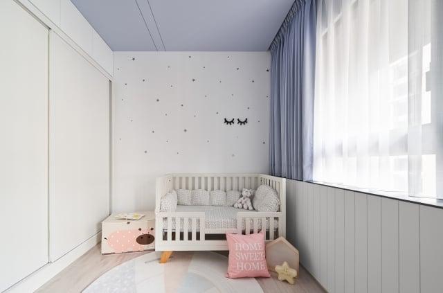 打造孩子房間時,專家建議使用粉色系。