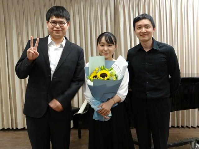 志水慧美(中)、合作演奏者郭修維(左)