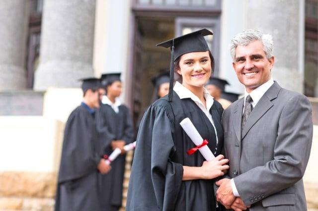 人生有許多階段要「畢業」,畢業是終點,也是起始點,過了一關又一關,前程憧憬無限。(Fotolia)