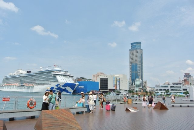 除了大型郵輪外,台灣遊輪產業發展協會計畫發展遊輪,遊遍本島與離島,欣賞自然生態環境。(攝影/周美晴)