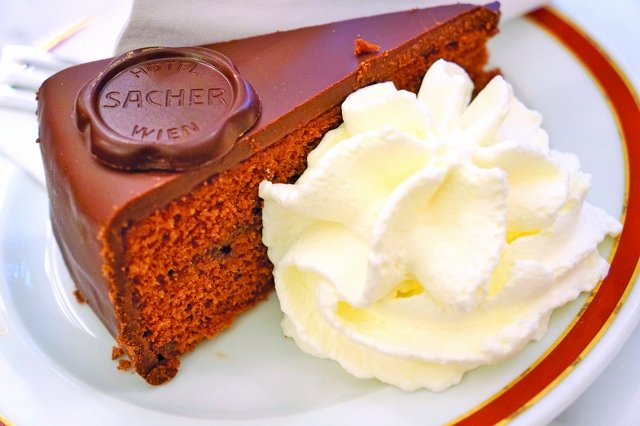 維也納的薩赫巧克力蛋糕。(shutterstock)