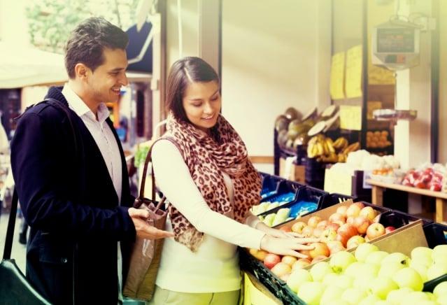 當購買行為減少,收支打平,慢慢地可以累積存款,做好財務規劃。(Fotolia)