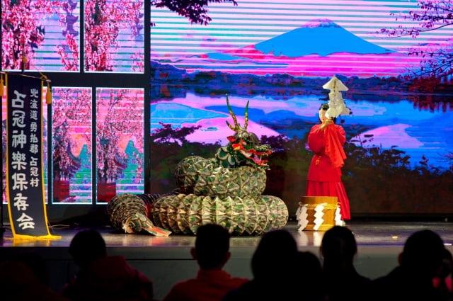 晚會經典傳統表演與和服妝扮。(業者提供)