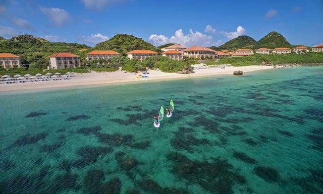 石垣島被蔚藍海洋圍繞。(業者提供)