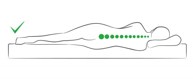 保持良好的側睡姿勢。(shutterstock)