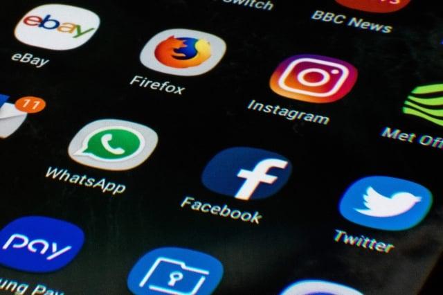 專家分析,推特每條討論內容不超過280字元,但人們需要獲得完整的資料,280個字元遠遠不夠。社群媒體示意圖。(AFP/Getty Images)