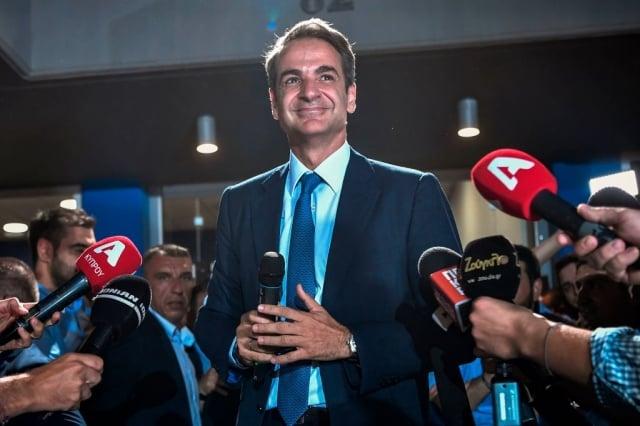 希臘新當選的總理、新民主黨領導人米佐塔基斯7月7日,在選舉結果揭曉後發表談話。(AFP/Getty Images)