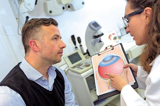一般情況下,淺層病變以水腫、滲出為主,多與脾虛、水溼停聚相關;深層病變常見新生血管、出血,最終形成瘢痕影響視力,從肝腎論治者居多。(Fotolia)