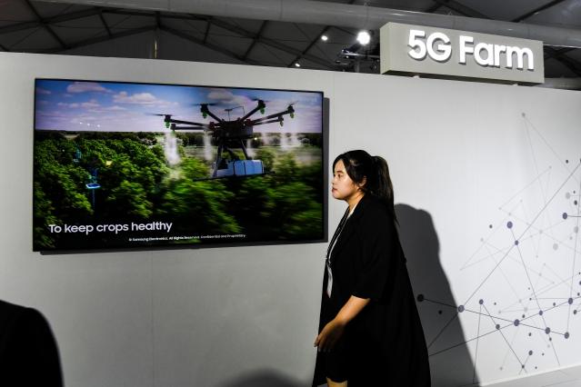 2018年10月,新德里舉行的印度行動大會上,展示5G在農業上的應用。(Getty Images)