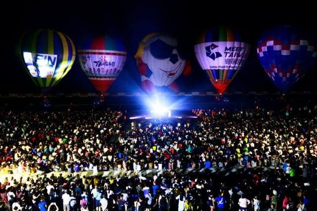 台灣國際熱氣球嘉年華光雕音樂會首次至綠島演出。