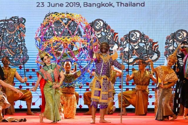美國國務卿蓬佩奧將參加東南亞國家協會的部長級會議。圖為6月23日,泰國主辦今年東協峰會的表演活動。(AFP/Getty Images)