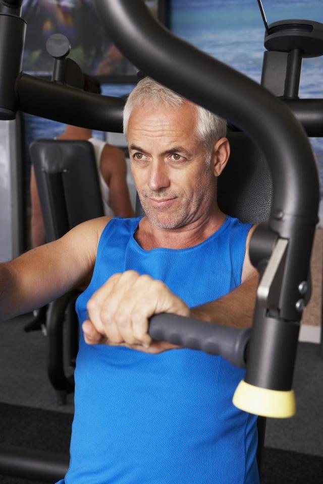 重量訓練,維持肌肉質量、增進肌力,最有效果的運動。(123RF)