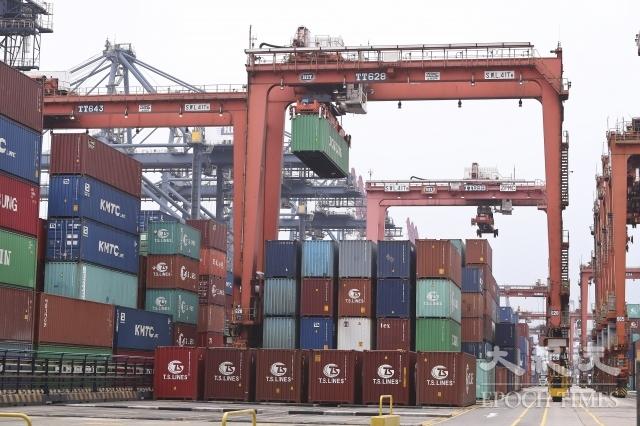 台灣對中國的出口依賴仍遞增,恐不利經濟穩定發展。圖為示意圖。(記者余鋼/攝影)