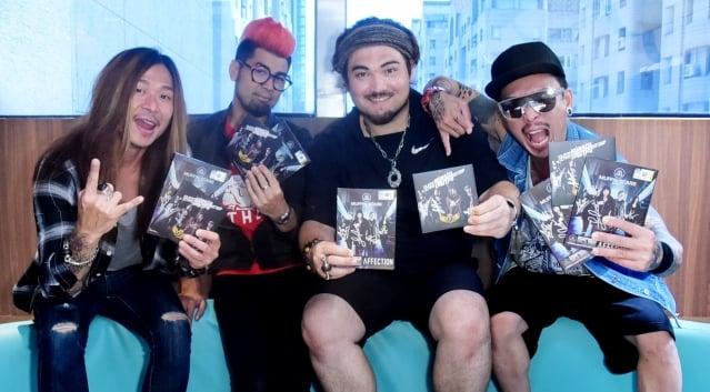 貝斯手Hoongz、吉手他Kelvyn Yeang、主唱Lim Burge、團長兼鼓手吳新